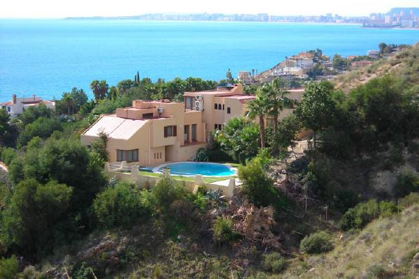Villa in El Campello