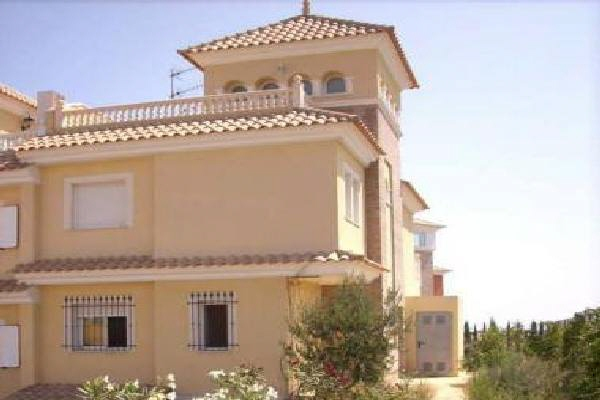 Charmante, mehrstöckige Doppelhaushälfte mit Garage in Calabardina, Àguilas