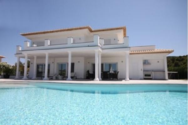 Traumhafte, moderne Villa mit atemberaubenden Ausblick