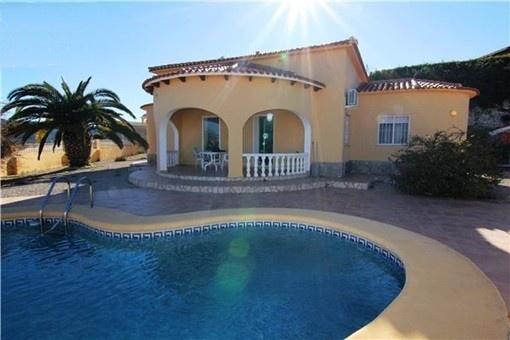 Wunderschöne Villa im spanischen Stil mit spektakulärem Blick auf das Meer und großem Pool
