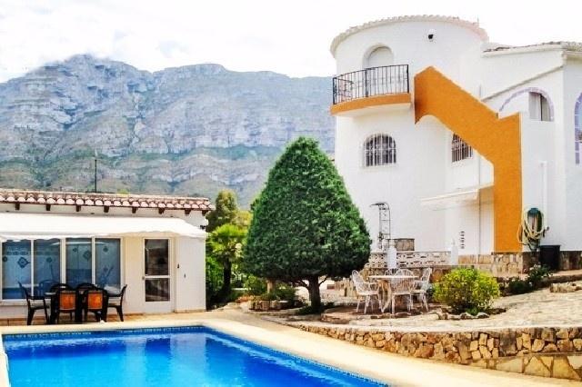 Villa im spanischen Stil in Denia mit privatem Pool und wunderschönen Meerblick