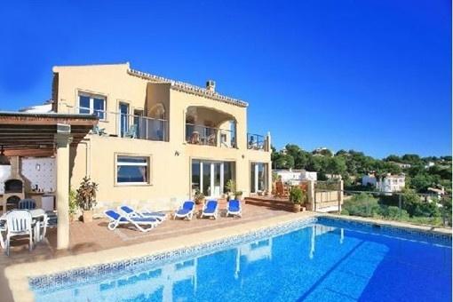 Traumhafte Villa in Javea mit paradiesischem Blick auf das Meer