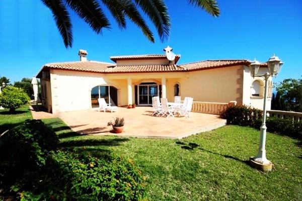 Traumhafte Villa in Denia in exklusiver Lage mit paradiesischem Meerblick