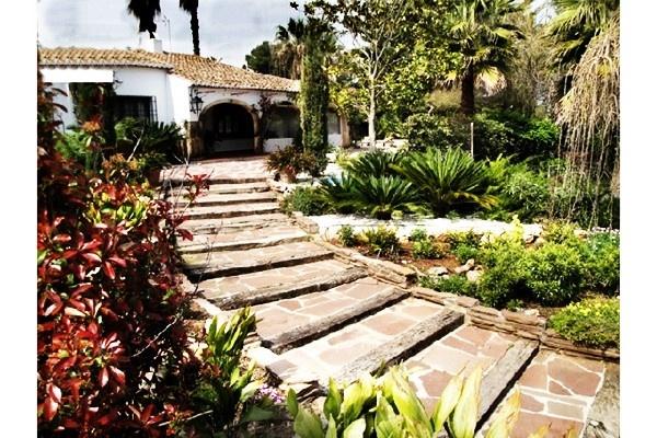Der märchenhafte Garten der Villa