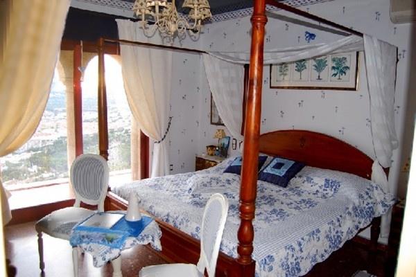 Eines der traumhaften Schlafzimmer mit wundervollen Interieur