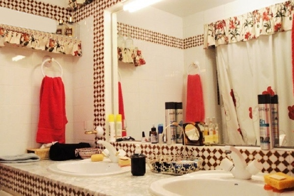 Eines der exklusiven Badezimmer