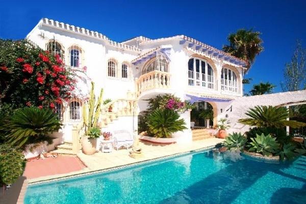 Bezauberndes Anwesen mit atemberaubendem Panoramablick auf das Meer und die Küstenlandschaft