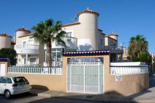 Attraktive Villa mit privatem Pool in Los Altos, Torrevieja