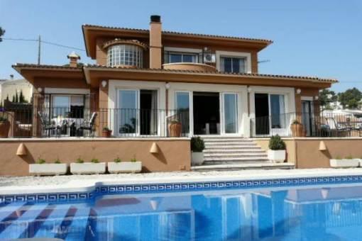 Außergewöhnliche Villa mit Pool in Moraira