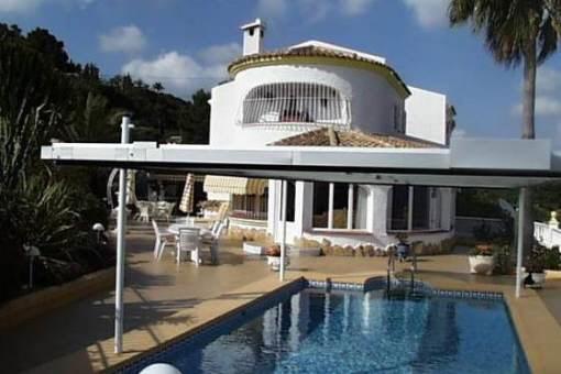 Charmante Villa mit Pool und Meerblick in Benissa