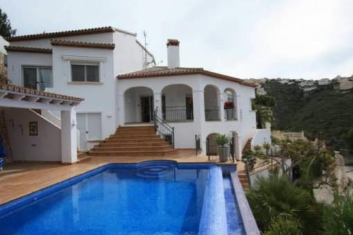 Attraktive Villa mit fantastischem Blick aufs Meer