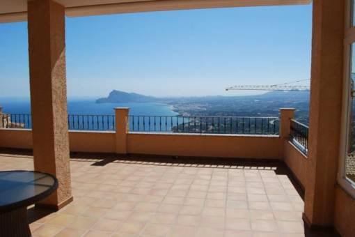 Elegante Villa mit atemberaubendem Meerblick