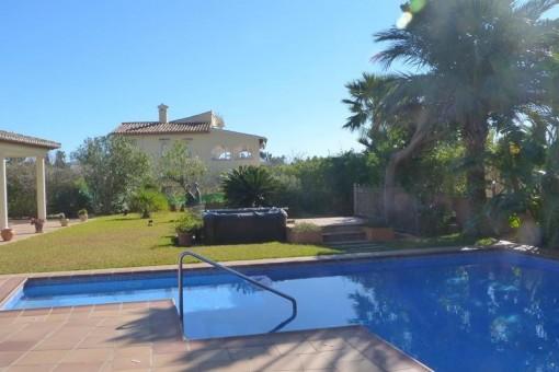Villa in Javea - Schöne Aussicht auf dem Gartenbereich