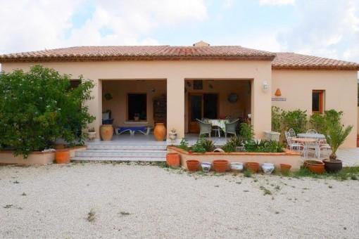 Charmante Altbaufinca mit Gästehaus