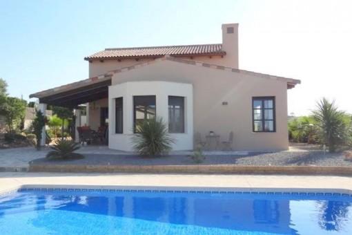 Neuwertige Villa in der Urbanisation Villes dels Vent in Javea