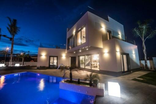 Villa mit Pool und Strandnähe in Orihuela Costa