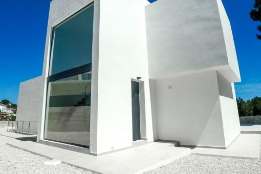 Verglaste Hinteransicht der Villa