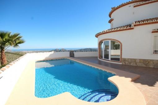 Villa mit Pool und herrlichem Meerblick in der Nähe von Dénia, Alicante