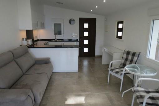 Gästeapartment mit Küche und Wohn-/Essbereich