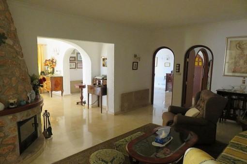 Wohnbereich mit Kamin